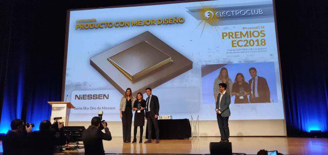 premios-electroclub-diseno-sky-oro