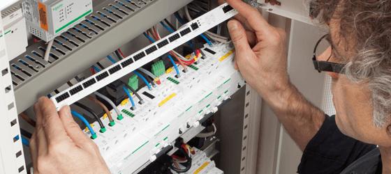 Acti9 Smartlink Elec transforma el cuadro de distribución eléctrica en un sistema de comunicaciones