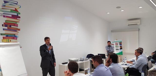 Ramón Utgés Rivas presentó el curso de formación a clientes de AEMSA
