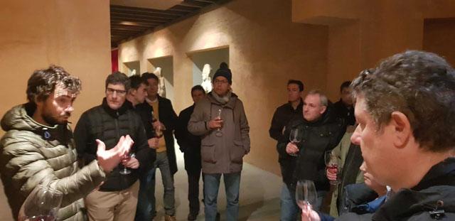 Visita de Almacenes Eléctricos Madrileños a la fábrica de Schneider en Pamplona